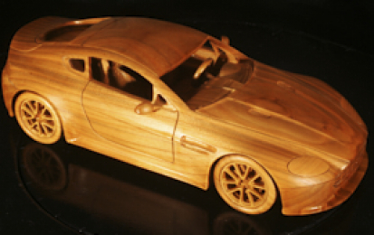 ASTON MARTIN VANTAGE V8 S WOOD SCALE MODEL