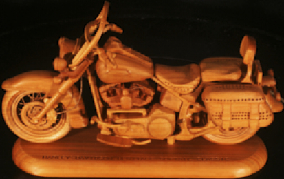 H-D HERITAGE SOFTAIL CLASSIC WOOD SCALE MODEL