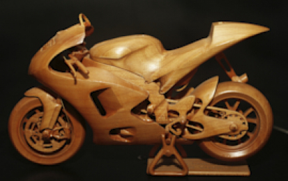 YAMAHA M1 2009 VALENTINO ROSSI WOOD SCALE MODEL